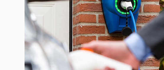 A. Comment connecter la borne de recharge à votre véhicule